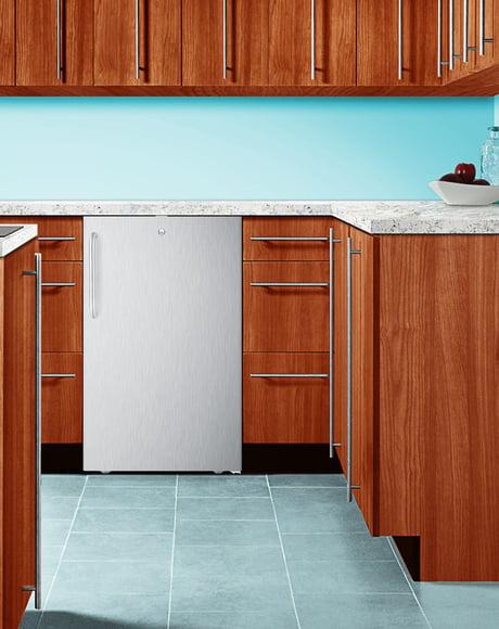 20-inch-wide-undercounter-refrigerator-summit-appliances-cm411lbicss.jpg