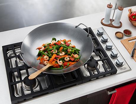 2011-dcs-indoor-kitchen-collection-cooktop-wok.jpg