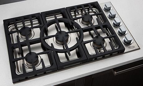 2011-dcs-indoor-kitchen-collection-cooktop.jpg