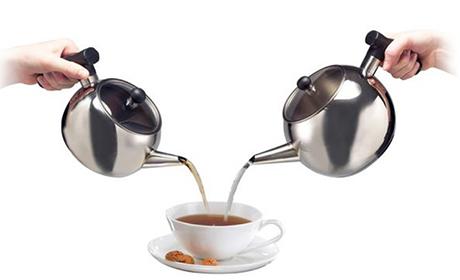 beem-mini-samowar-elegance-pouring.jpg