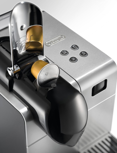 capsule-coffee-machine-delonghi-lattissima-plus-pad.jpg
