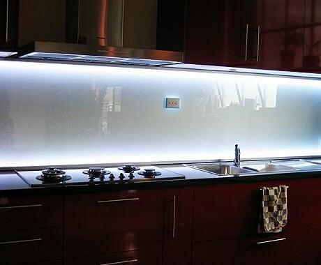 coloured-glass-splashback-led-celsiusglass.jpg