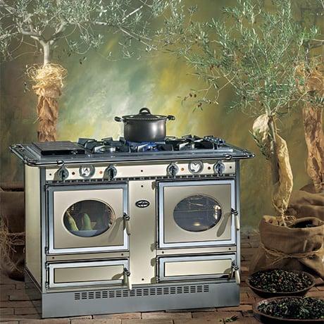 corradi-122-isola-ge-cascina-stoves.jpg