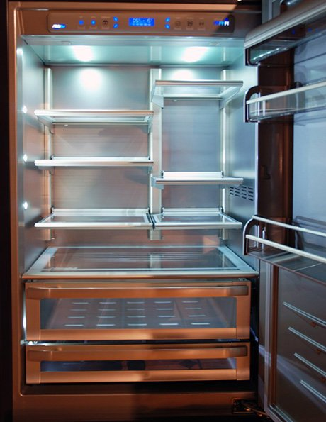 custom-refrigerators-by-officine-gullo-ogf90-interior.jpg