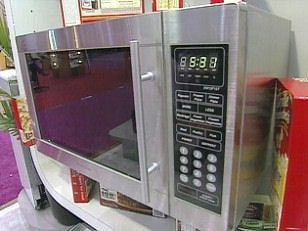 daewoo-voice-activated-microwave.JPG