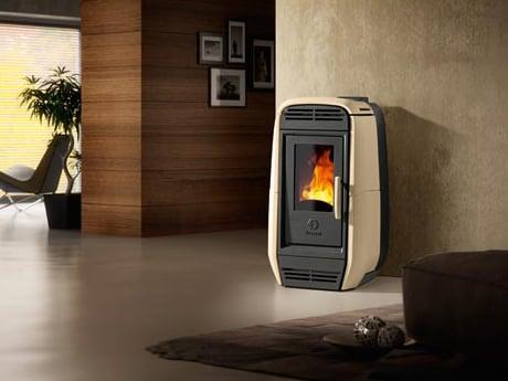 decorative-pellet-stove-vescovi-agata.jpg