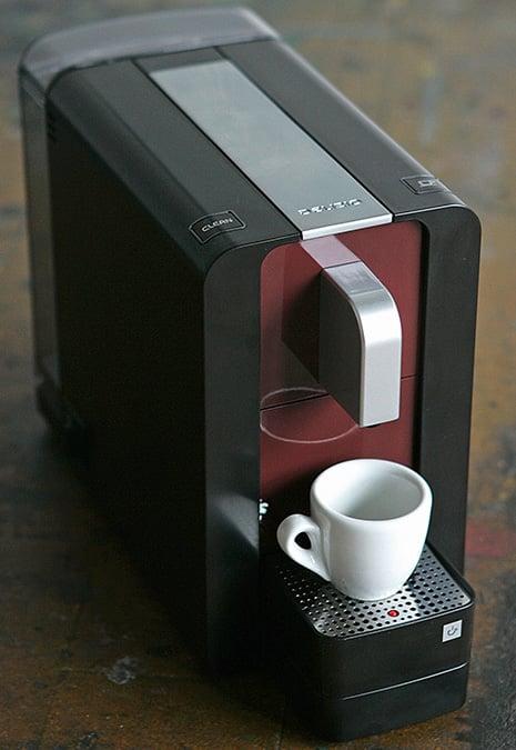 delizio-compact-coffee-machine-capsule.jpg