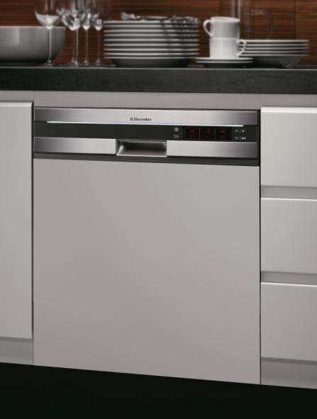 elecrolux-pan-european-design-built-in-dishwasher.JPG