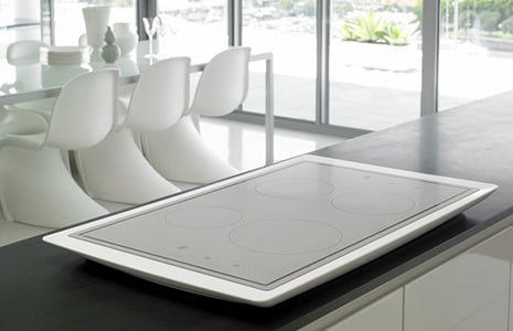 electrolux-aurora-cooktop-illuminated-induction.jpg