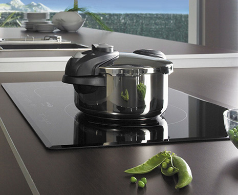 fagor-cooktops-induction-lifestyle.jpg