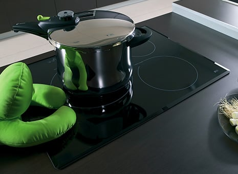 fagor-induction-cooktop-lifestyle.jpg
