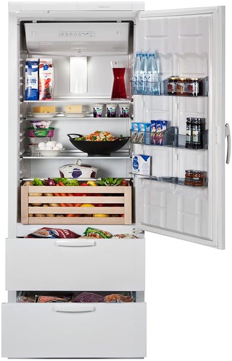 festivo-city-75-cf-bottom-freezer-refrigerator-open.jpg