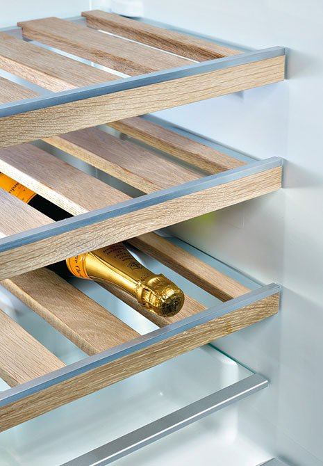 fully-integrated-wine-cabinet-bosch-shelves-kfw18-a40.jpg