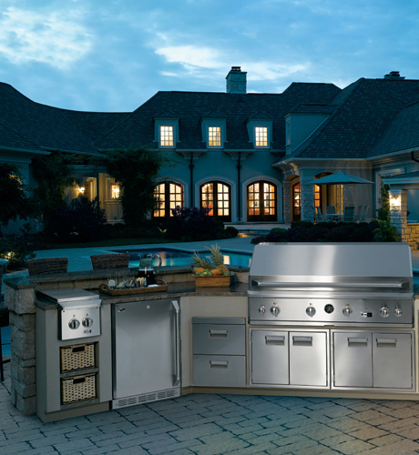 ge-monogram-54-outdoor-cooking-center-built-in-zgg540lbpss.jpg