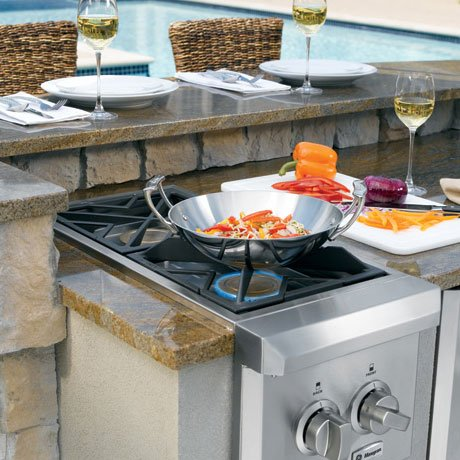 ge-monogram-dual-burner-outdoor-cooktop-zgu122lpss-cooking.jpg