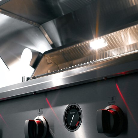 ge-monogram-outdoor-cooking-center-red-led-interior-halogen.jpg
