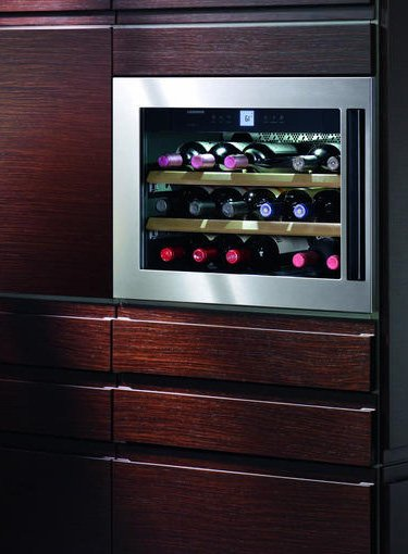 integrated-wine-cooler-liebherr-hws-1800-eye-level-wine-cabinet.jpg