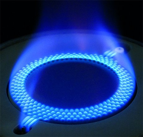 luce-direct-flame-gas-hob-ariston-hotpoint-burner.jpg