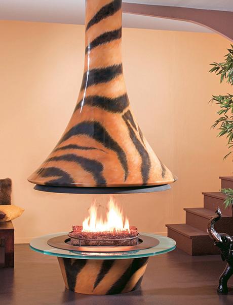 metal-fireplace-tigre-paco-rabanne.jpg