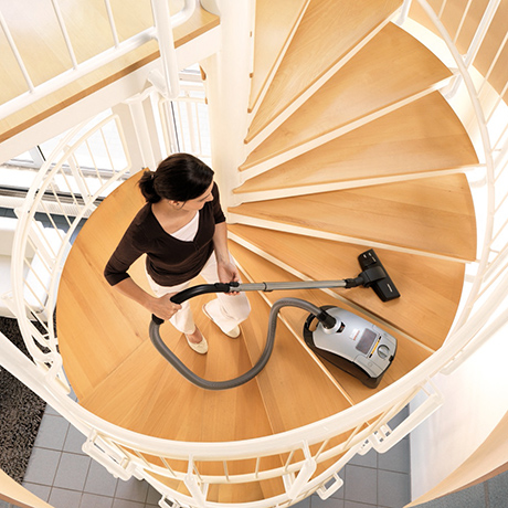miele-hybrid-vacuum-cleaner-stairs.jpg