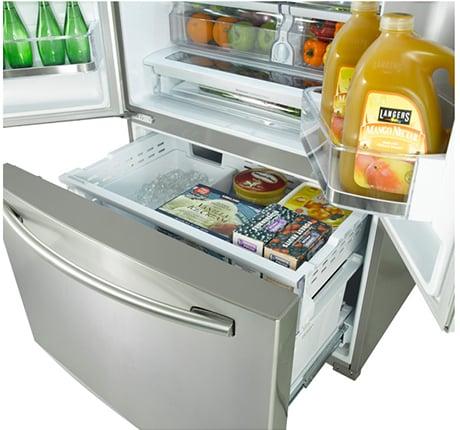 samsung-french-door-refrigerator-rf323tedbsr-freezer.jpg