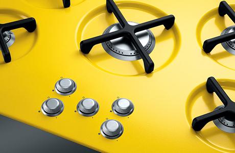 smeg-gas-cooktop-5-burner-yellow-marc-newson.jpg