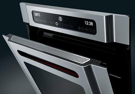 smeg-wall-oven-display-marc-newson.jpg