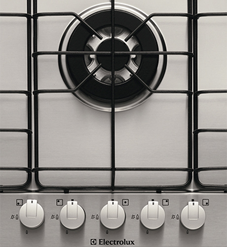 stainless-steel-gas-cooktop-electrolux-gas-hob-egh7815-controls-central-burner.jpg